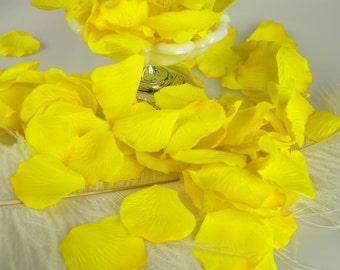 Yellow Rose Petals | Artificial Flower Petals | 200 two tone yellow | Baby Shower | Wedding Decoration | Flower Girl Basket Petals