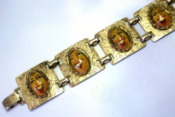Hand Painted Unique Vintage CORLETTE BAYLOCK pistachio nut chunky handmade artist face bracelet, bracelet made from nuts, faces, lizones