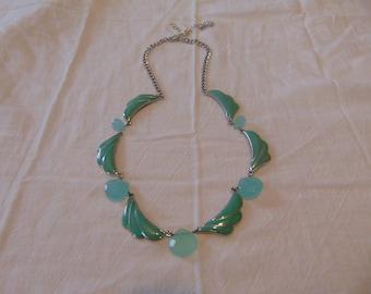 vintage FRAGMENTS mfg. greenish turquoise blue briolette station beads necklace unused mint