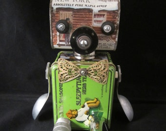 Grizzy Bot - found object robot sculpture assemblage by Cheri Kudja with Bitti Bots