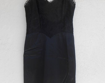 Vintage Full Slip Vanity Fair Black Taffeta Lace Size 32 S Slip Dress