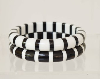 STRIPED BANGLES - VINTAGE black and white and white and black pair of striped bangles -  pair of vintage striped black and white bangles
