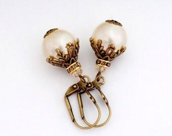 Cream Swarovski Crystal Pearls, Cream Pearl Earrings, Ivory Pearl Jewelry, Pearl Drop Earrings, Cream Dangle Earrings Hypoallergenic, Dorika