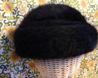 "Chic Black Vintage ""Boutique Kates Canada"" Soft & Fluffy Angora Hat- Elegant Classic Winter Fall Toque Beanie Cap Padded Brim Retro"