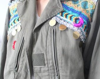veste kaki militaire vintage camouflage broderies, sequins et lunes