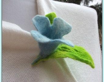 Brooch, felted flower, BLUE BELL FLOWER - felt, brooch pin - merino wool, handmade, unique adornment, bellflower, ooak