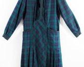 ON SALE Drop waist check dress // 80s // M/L size