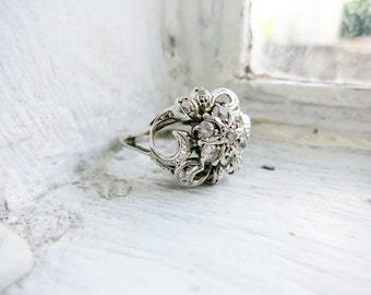 Vintage Silver Ring with Clear Synthetic Stones (US Ring Size 5.5)