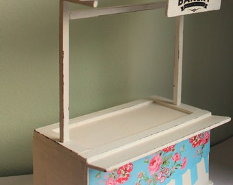 Handmade shabby chic vintage vintage bakery market stall patisserie empty -dollhouse12th scale - bakery display