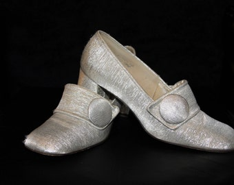 Silver Star-Mod 60s Silver Lame Space Age Pilgrim Loafers