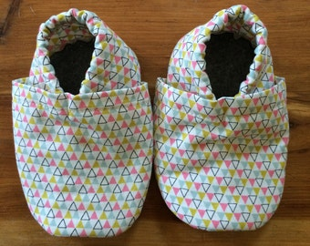 Soft sole shoes, elastic heel, first shoes, crib shoes, booties, non-slip, customizable, washable, triangles