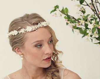 Pearl flower crown, bridal flower crown, Bridal headpiece, Wedding tiara with pearls and babys breath flowers, Wedding flower crown