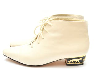 80s Cream Jaguar Heel Leather Ankle Boots 7 Womens