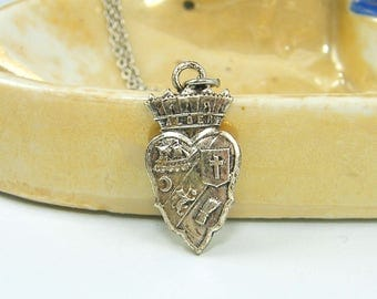 Crown Heart Necklace, Silver Heart Pendant Necklace, Heart Crest Necklace |NB2-47
