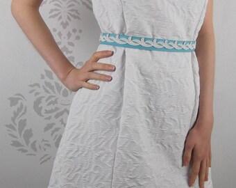 VINTAGE WHITE DRESS 1960's Blue Lace Belt Size Medium