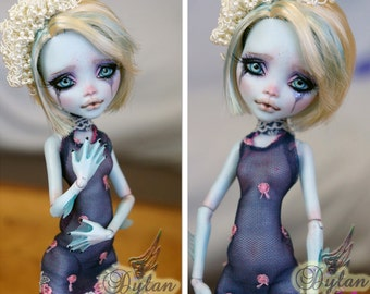 "Display Only ~  12"" Monster High by ~ Rogue Lively ~"