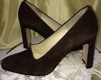 Vintage Suede Shoes ~Nordstrom's Classiques Entier, Italy ~1980s Pumps ~Size 9B ~Chocolate Brown Suede