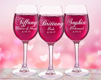 10 Bridesmaids, Personalized Wine Glasses, Bridal Party Gifts, Bridal Shower Favors, Bridesmaid Gift, Set of 10, Mother of the Bride Groom