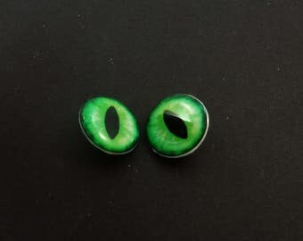 "Dragon Eye Buttons. Set of 2 Green Dragon or Lizard Eye Sewing Buttons.  Handmade Buttons. Shank Buttons. 3/4"" or 20 mm."