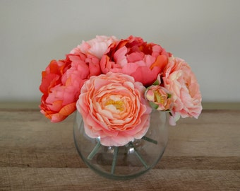 Coral Peonies & Ranunculus Flower Arrangment in Glass Vase with Faux Water, Acrylic Water, Luxury Flowers, Chic Flowers