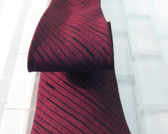 1950s Mod Red Skinny Tie MAD MEN Art Deco Design - Dark Red Burgundy Skinny Tie - Square Skinny Tie Wine