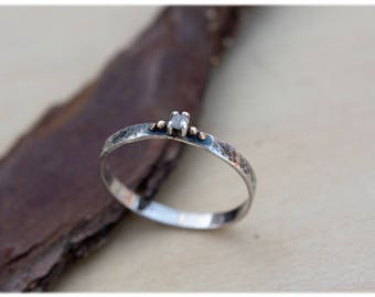 Raw Diamond Engagement Ring: Dainty hammered ring - Uncut diamond ring - Organic engagement ring - Rough white diamond promise ring