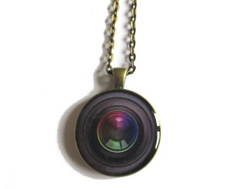 CAMERA LENS NECKLACE - Camera necklace - camera pendant - gift for photographer - camera lens - photography lovers - photography pendant