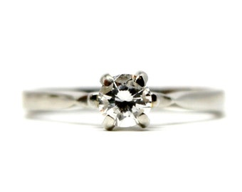 18k White Gold Vintage Engagement Diamond Ring 0.38ctw