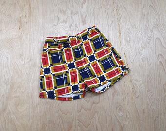 1950's geometric print short shorts •  small