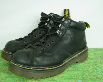 Vintage Doc Marten Black Hiking Boots - Size 6 UK, 7 US Men, 8 US Womens - Made in England - Seven-Hole Hiking Boots - D151