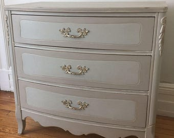 Lovely French Provincial Bow Front Chest of Drawers