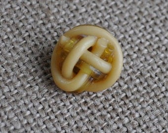 Vintage Celluloid Knotted Extruded Coat Button. Cream and Butterscoth Color with Plastic Shank. 1930's. Retro Cool Style!