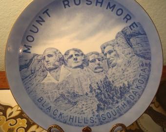 Vintage Blue Mount Rushmore, Black Hills South Dakota Plate - Excellent Condition!!