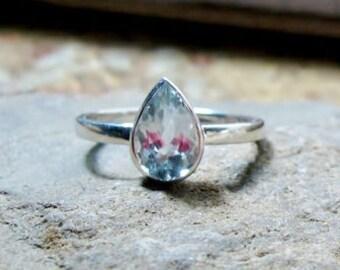 Aquamarine Pear Gemstone Ring, 14K Gold