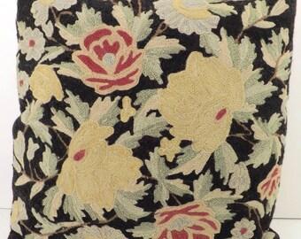 vintage decor pillow | 40s crewel pillow | square embroidery pillow | floral throw pillow | folk art pillow | crewel embroidery pillow |