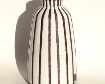 Handmade white ceramic vase in black/brown clay with modern lines