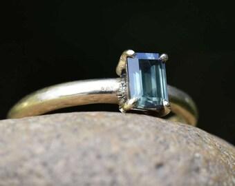 Green sapphire ring, sapphire engagement ring, alternative engagement promise, gold ring, emerald cut, baguette rectangle gem, 7mm x 4mm