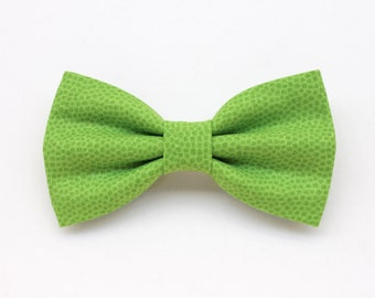 Greenery bow tie for men,Color of the Year 2017 Pantone,light green apple,green wedding,spring wedding,newlyweds green apple accessories