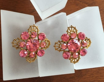Weiss Pink Rhinestone Earrings, Weiss Pink Round Rhinestone Earrings, Weiss Pink Rhinestone Clip On Earrings, Vintage Weiss Pink Rhinestones