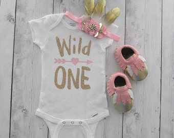 Wild One Birthday Outfit in light pink and gold - girl first birthday outfit, baby mocassins, feather headband, wild one shirt