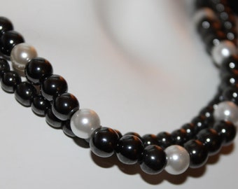 Bead Black, Beaded Black Bead, Black Jewelery with Pearls, black necklace with pearls, Jewelery black pearls, necklace black pearls, black