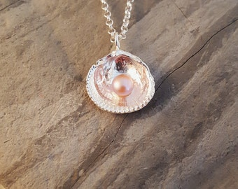 Reversible Silver Clam With Natural Pearl