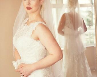 Diamond white flutter edge fingertip veil;fingertip flutter edge veil;silver edged fingertip veil