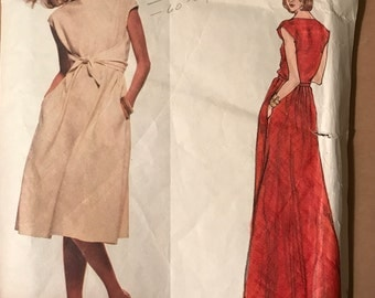 Vogue 1664 - 1970s American Designer Geoffrey Beene Pullover Dress with Front Tie - Size 14 Bust 36
