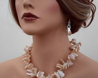 Mother Pearl Necklace Set