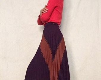 Vintage 1970s Eggplant Pleated V Skirt