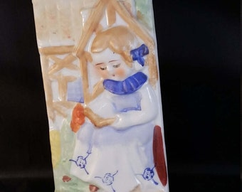 1940's to 50's Wallpocket of Little Girl Reading Book.
