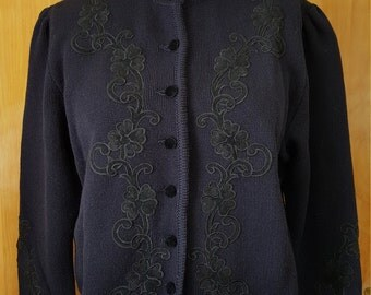 M & G German wool sweater cardigan  navy blue with black velvet applique covered buttons sz 48 US Large