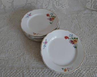 8 dessert plates, from the 40s. DIGOIN-SARREGUEMINES - FRANCE.