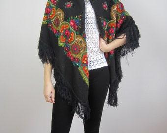vintage1970s //folk bohemian chic// made in Poland // large floral print fringe hem scarf